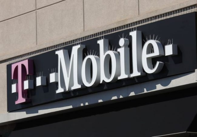 T-Mobile outage comes with reported disruptions across cellular services