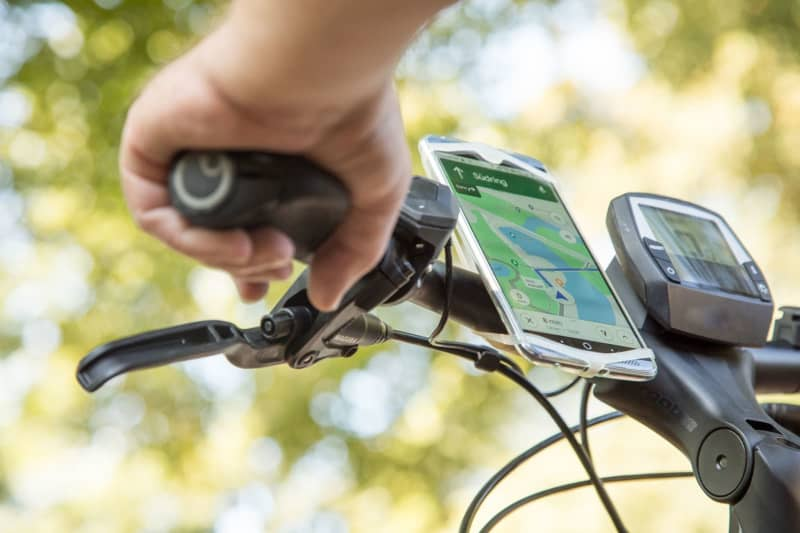 Your new navigator is your old phone:Easy mapping for bikes and cars